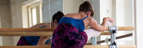 dancer-prepares