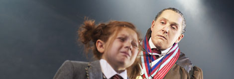 Bertie-Carvel-as-Miss-Trunchbull-in-the-RSC-Production-of-Roald-Dahl's-Matilda-The-Musical.-Photo-by-Manuel-Harlan.-11
